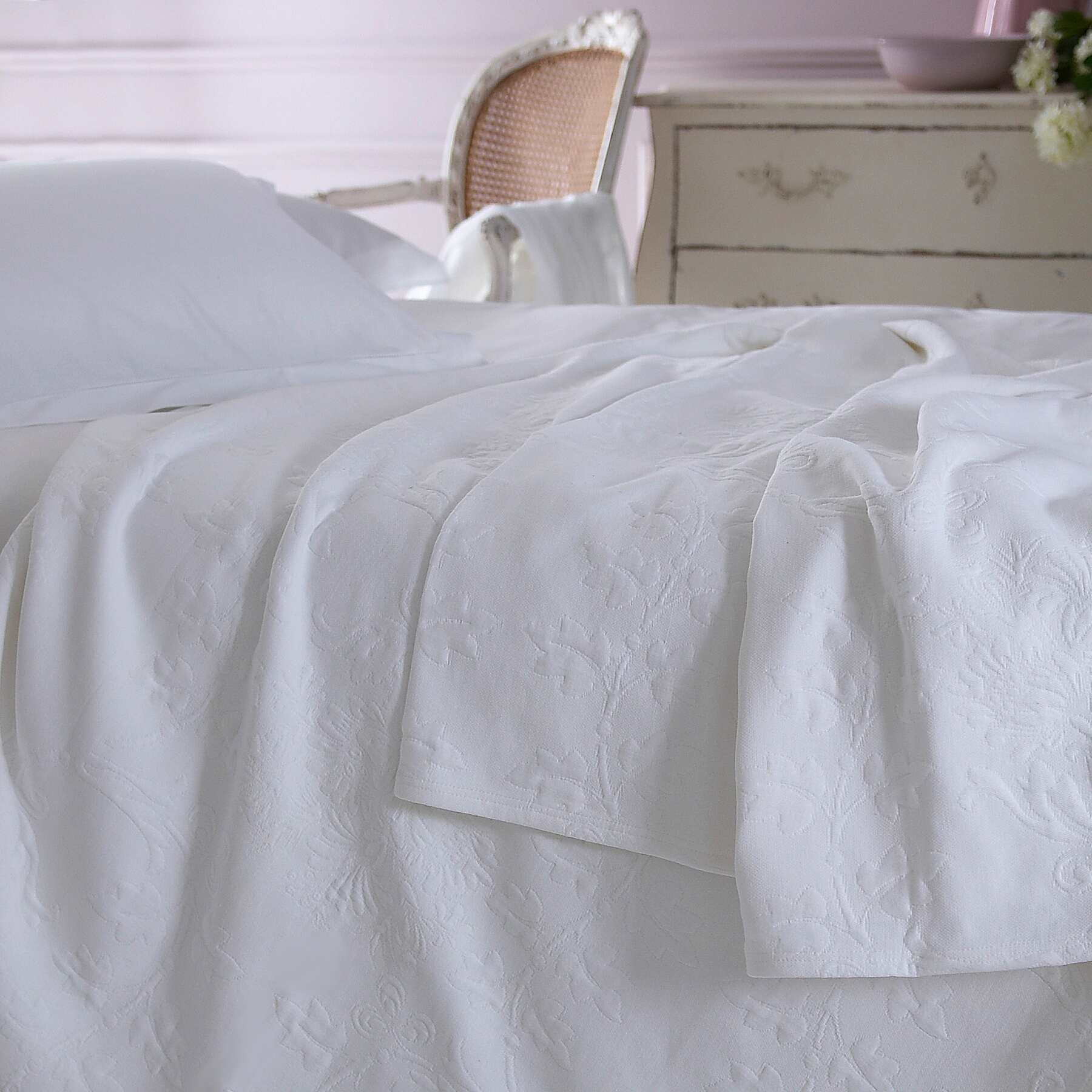quilts company chain diamond natural product stitch contemporary with quilt stitched bed juno