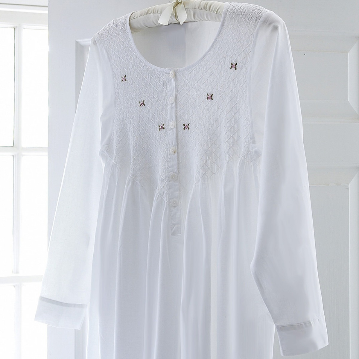 Beatrice Long Sleeve Nightgown