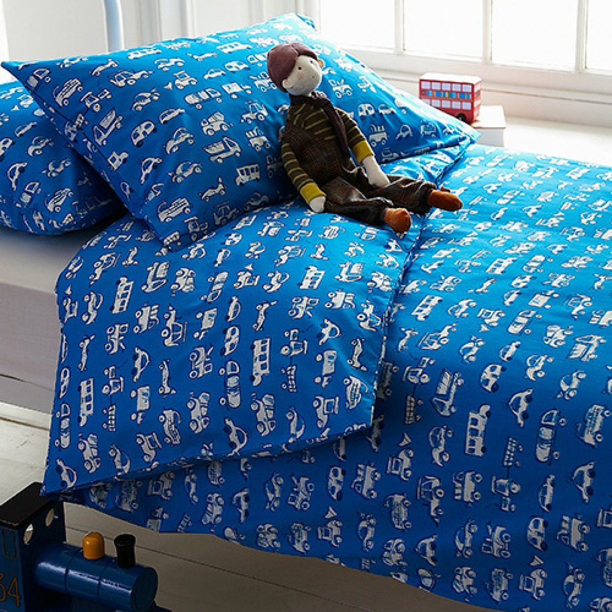 Blue trucks and cars printed children's bedlinen