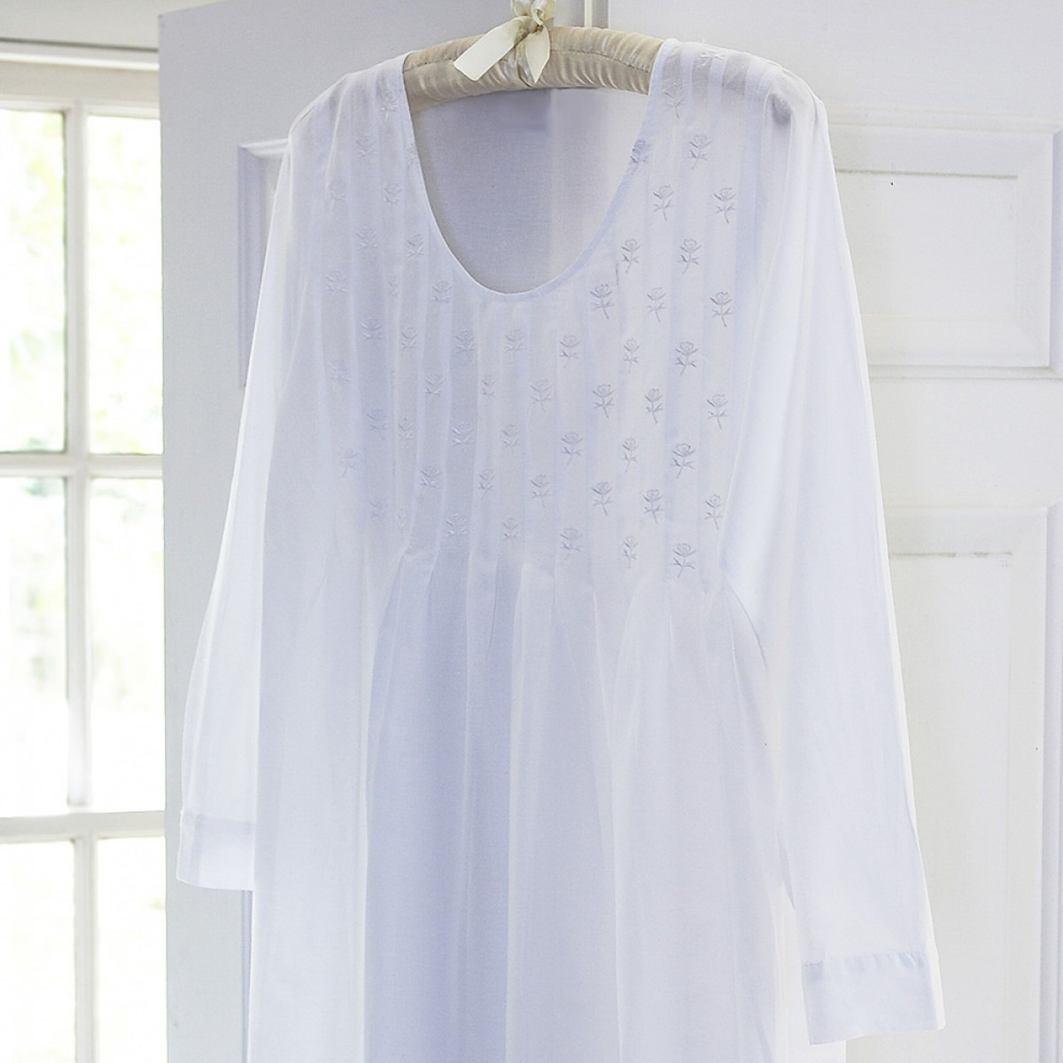 Lizzie Long Sleeve Nightgown