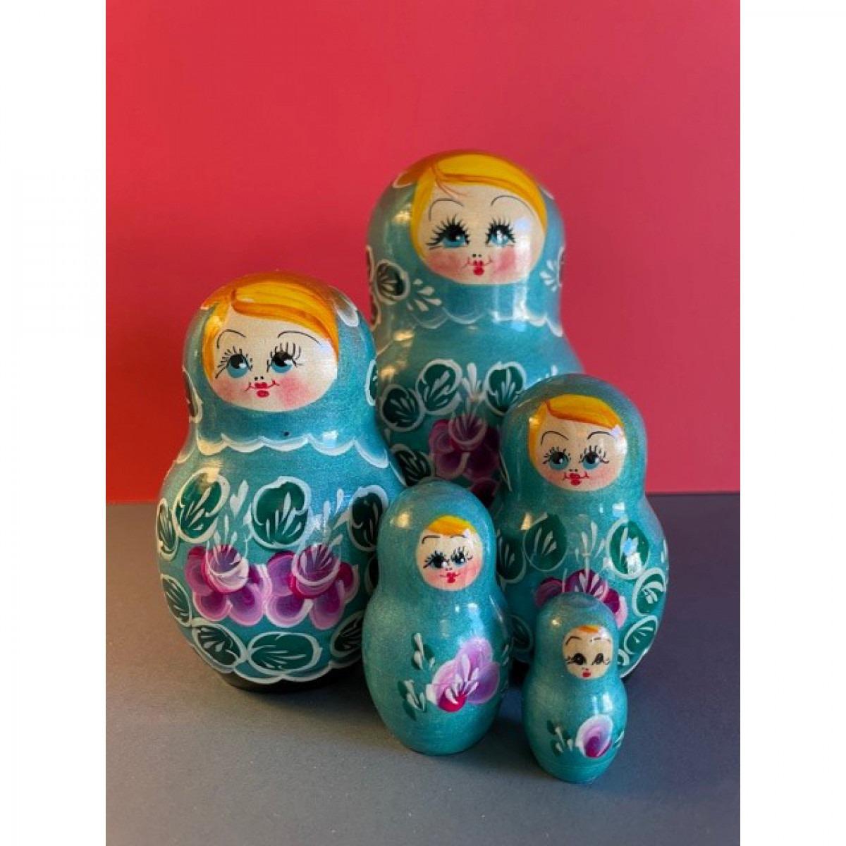 Russian Doll Set Design 10