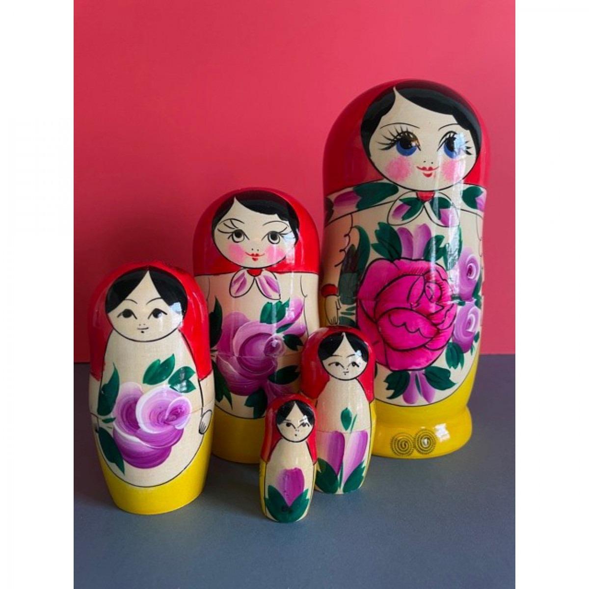 Russian Doll Set Design 4