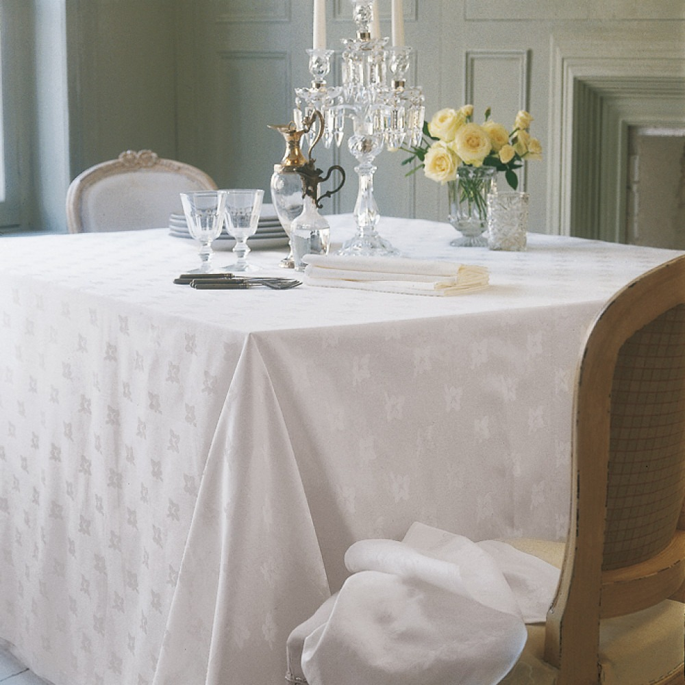Ivy Leaf Tablecloth And Napkins