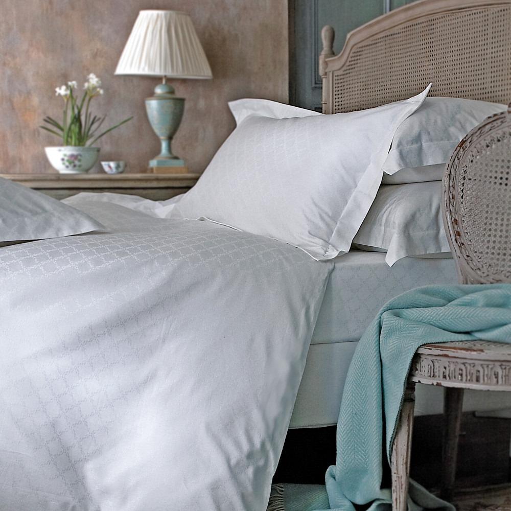 Juliette white cotton jacquard bedlinen