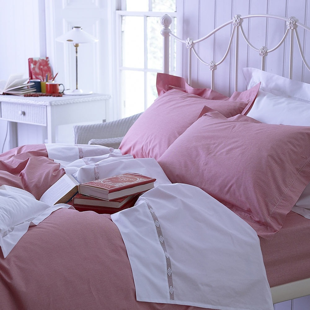 Red and White Check Bedlinen