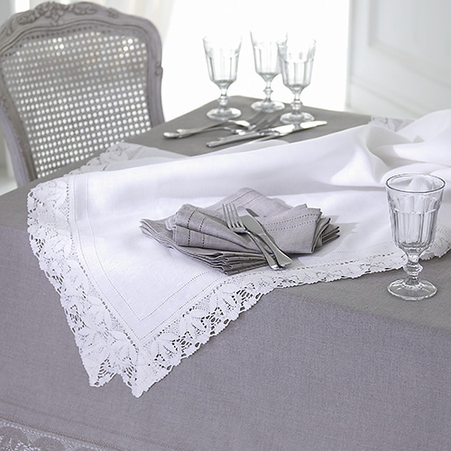 Lace Edged Tablecloths and Napkins